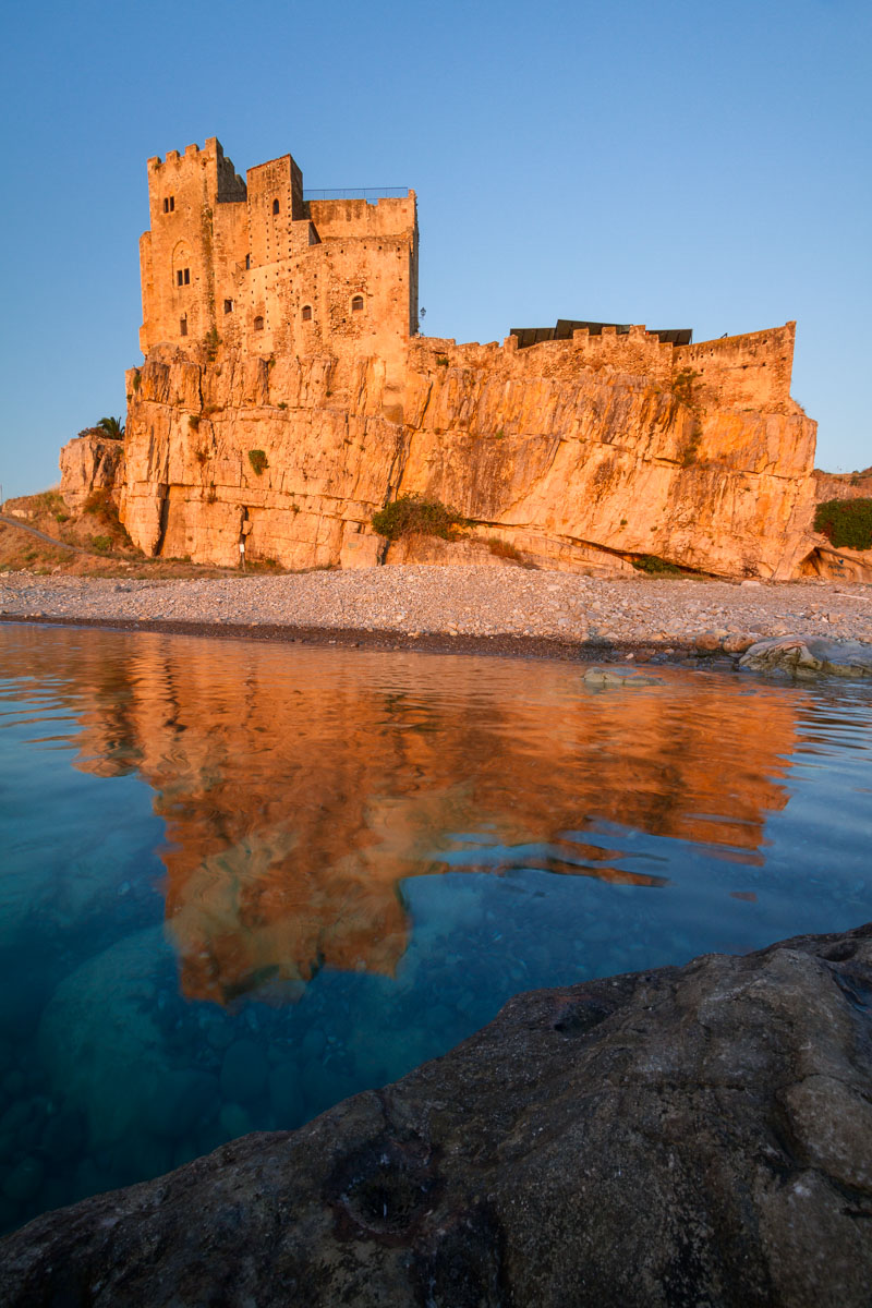 "The ""Castrum Petrae Roseti"" (Stone Castle of Roseto) is a fortified castle to defend the Ionian coast. Is one of the main monuments in Calabria, which dates back to Norman times, rebuilt in the '200 by the will of Frederick II of Swabia and remodeled several times until the sixteenth century. It is located in Roseto Capo Spulico, overlooking the Ionian sea."