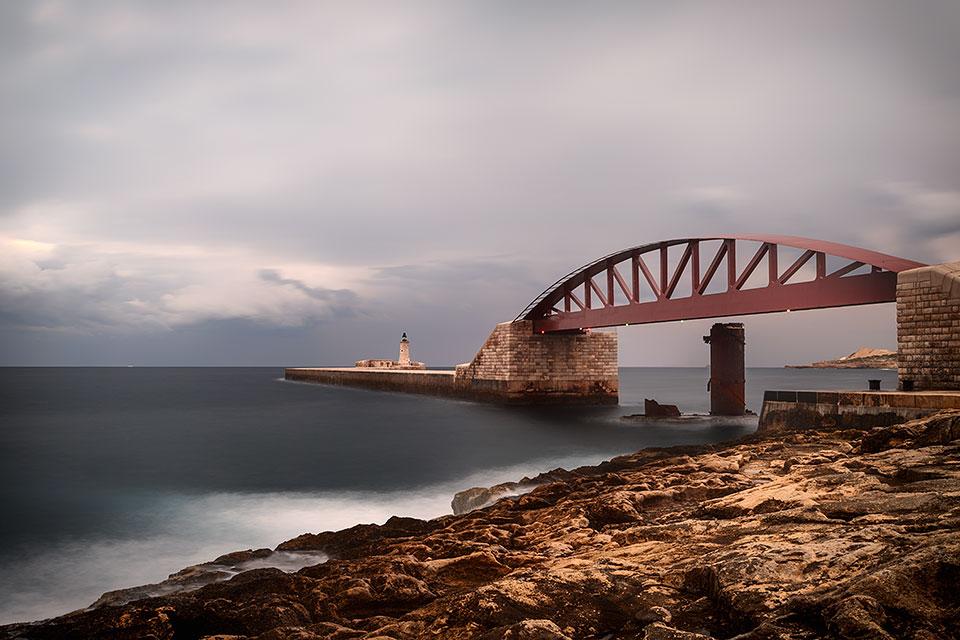 Valletta, Breakwater Bridge