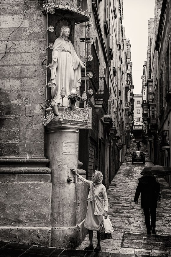 Valetta, Shrine on a Street Corner