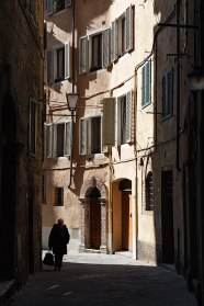 An alley in the historic center of Siena, Tuscany, Italy.