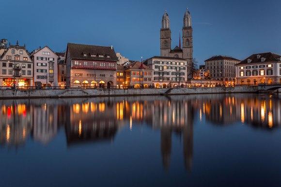 On a Mild Winter Evening in Zurich