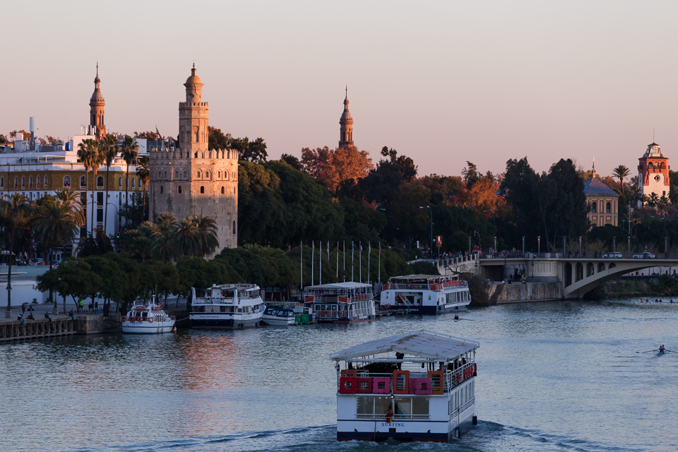 Torre del Oro and Guadalquivir river